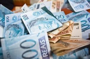 Pela legislação, o piso salarial deve ser elevado no primeiro dia do ano conforme a variação do INPC no ano anterior e a expansão da economia no ano retrasado. Foto: Reprodução