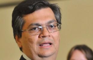 Brasília - O presidente da Embratur, Flávio Dino, fala com a imprensa após encontro com a ministra-chefe da Casa Civil, Gleisi Hoffmann, e com o ministro da Justiça, Jozé Eduardo Cardozo
