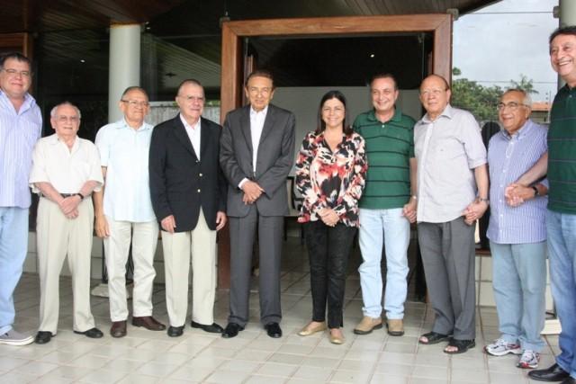 http://www.luiscardoso.com.br/wp-content/uploads/2013/07/luis-fernando-jose-sarney-edison-lobao-pedro-novais-roseana-sarney-joao-alberto-640x427.jpg