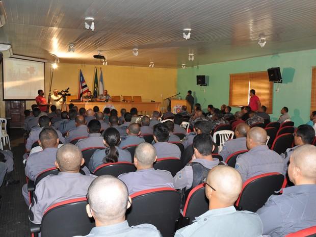 Curso teve início nesta segunda-feira, no bairro do Jaracati, em São Luís. Objetivo é formar tropa para combater o crime organizado.