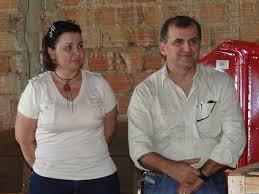Ana Isabel e o companheiro Cláudio Azevedo, fazendo turismo em Miami