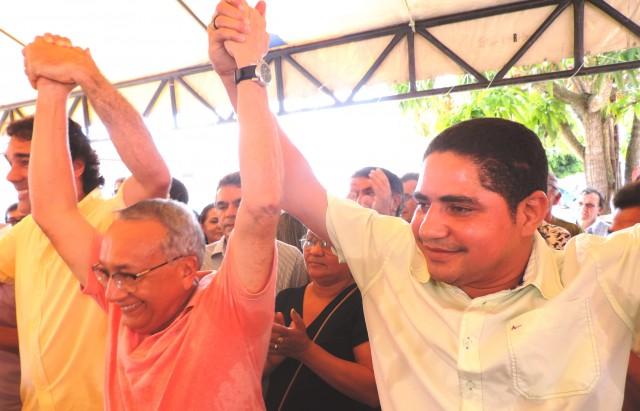 Zé Inácio, Gastão Vieira e Lobão Filho juntos em Chapadinha.