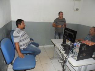 Os jornalistas Deidson Mesquita e Wilton Lima na delegacia
