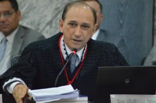 Lourival Serejo,considerou plausível o pedido formulado pela apelante para participar das partilhas dos bens do companheiro