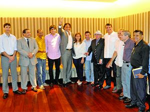 Lobão Filho em recente encontro com líderes