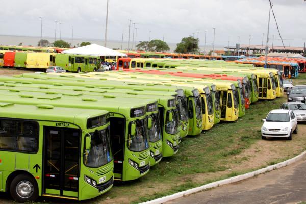 Com a entrega dos novos ônibus, mais de 250 mil usuários serão beneficiados com mais conforto no trajeto