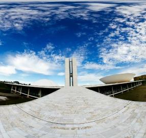 Para o Ministério Público, Congresso contraria a lei ao dispensar parlamentares de licitação