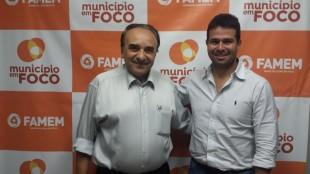 Prefeitos Sebastião Madeira e Gil Cutrim durante recente encontro para tratar sobre a reunião desta sexta-feira.