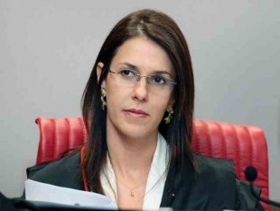 Ministra do TSE Luciana Lossio