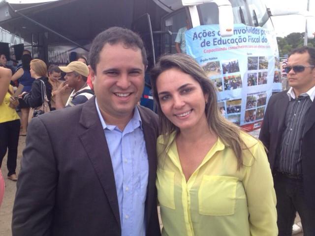 Simone e o prefeito Edvaldo Holanda