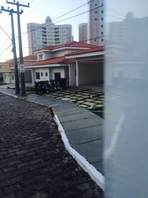 Mansão no condomínio Interlagos, na Avenida Mário Andreazza