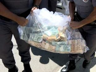 R$ 1,5 milhão apreendidos na casa do prefeito