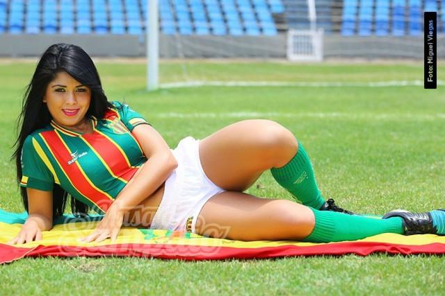 Daiany Mesquita Estudante de Ciências Contábeis, promotora de marketing e eventos, 21 anos, 1.60m e 62 kg.