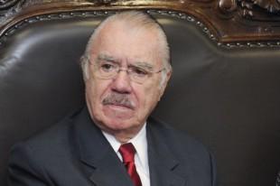 MPF quer impedir que vencimentos de Sarney superem teto do funcionalismo