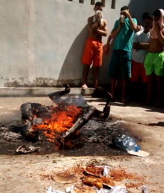 Terror nos presídios de Fortaleza, corpos humanos são incendiados e rasgados a facadas
