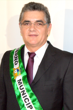 Prefeito Tancledo Lima araújo.