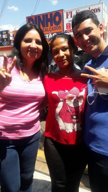 Irene Soares durante visita é aclamada pelo povo