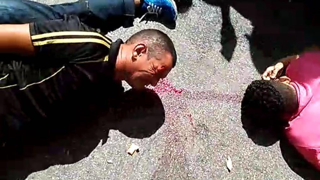 Desespero de parentes depois que ladrões são baleados e um morto