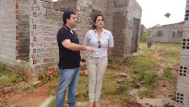 Resultado de imagem para IMAGENS DO PREFEITO DE PAULO RAMOS DO MARANHAO: DEUSIMAR SERRA COM A DEPUTADA FEDERAL LUANA ALVES
