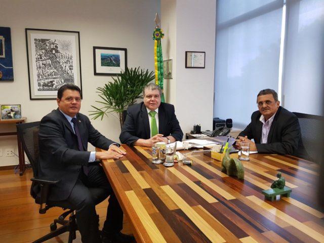 IMG 5490 640x480 - Deputado Rigo Teles trata em Brasília com Ministro Sarney Filho e IBAMA sobre queimadas no Maranhão - minuto barra