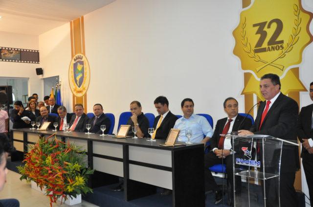 Cleomar Tema inaugura nova sede da Federação dos Municípios do Maranhão