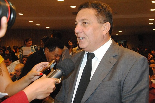 Projeto Anticrise do governo beneficiará população carente dos municípios do MA, afirma Cleomar Tema