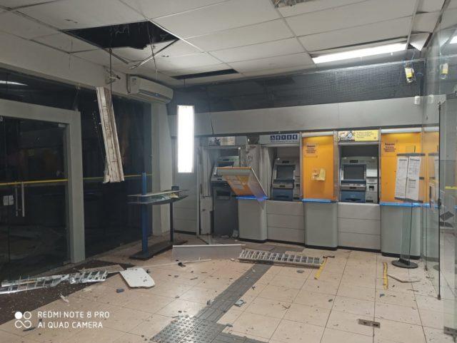 Resultado de imagem para bandidos explodem banco do brasil cantanhede